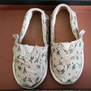 TOMS Toddler Shoes Size 6